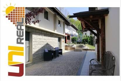 - UNI-Real -TOP Eigenheim mit Nebenhaus