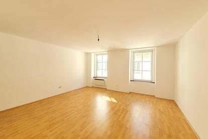 Attraktives Preisangebot! Charmante Altbauwohnung - 2,5 Zimmer in zentraler Lage