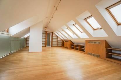 1. MONAT MIETFREI - ALTBAU-Dachgeschoß-Wohnung mit Wintergarten