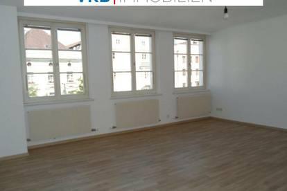 Geräumige, sehr helle Mietwohnung in Braunau am Stadtplatz - auch als Büro nutzbar