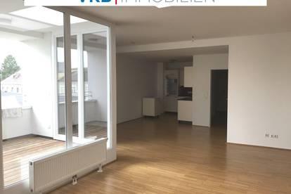 Modernisierte Mietwohnung in Rieder Zentrumslage, offener Wohnbereich mit Lichthof Terrasse!