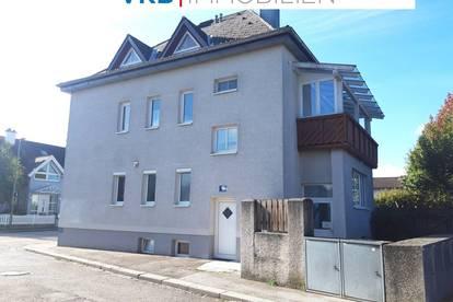 Sehr schöne Eigentumswohnung in gepflegter Wohnanlage, mit Eigengarten, Loggia, Kellerabteil und Carport