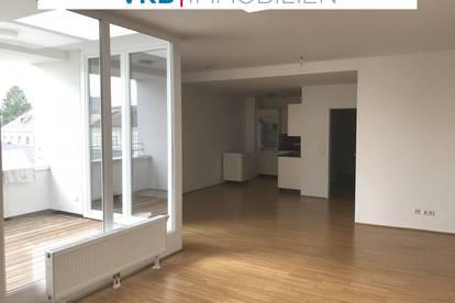 Moderne Mietwohnung in Rieder Zentrumslage, offener Wohnbereich mit Lichthof Terrasse!