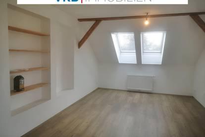 Neue Dachgeschosswohnung mit Küche und Schrankraum in sehr zentraler Lage