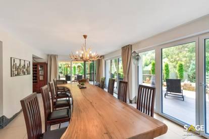 Villa in Alleinlage mit unverbaubarem Blick !