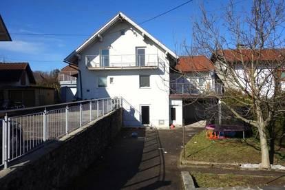 Geräumiges Zweifamilienhaus am Stadtrand - auch Anlagemöglichkeit