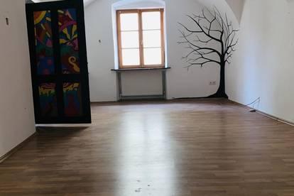 2. Zimmer Wohnung in historischem Haus im Zentrum von MELK...