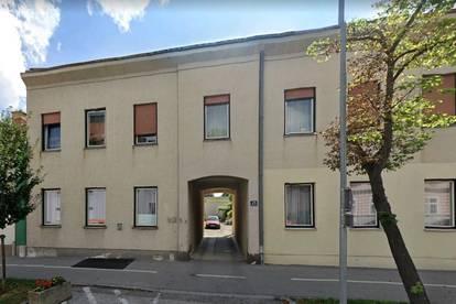 kleine EG Wohnung mit Werkstatt im Innenhof in Bahnhofsnähe