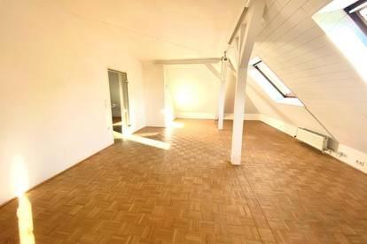 PROVISIONSFREI! großzügige Dachgeschosswohnung mit atemberaubenden Blick