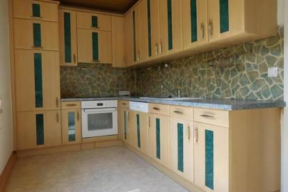 87,70 m² Mietwohnung mit möblierter Küche und zwei Schlafzimmer