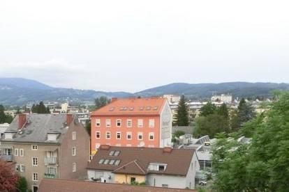 Graz Nord, schöne neu sanierte 3 Zimmer+ Küche Wohnung mit Balkon und Parkplatz