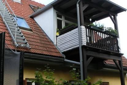 Straßgang/Seiersberg, schöne DG Wohnung mit Galerie, Balkon undCarportplatz