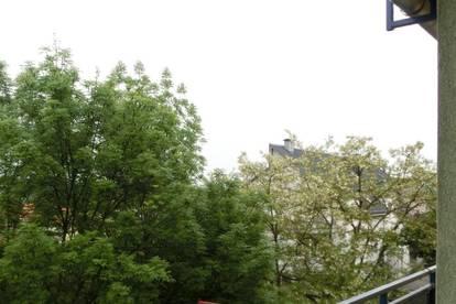 Graz Nord nähe Bulme, schöne neu sanierte 3 Zimmer+ Küche Wohnung mit Balkon und Parkplatz