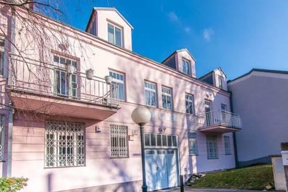 Großes Reihenhaus mit Garten und Tiefgarage in sehr guter Lage + Viel Platz und 8 Zimmer
