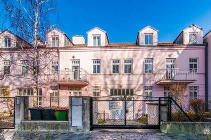 Viel Platz ++ 8 Zimmer Reihenhaus mit Garten und Tiefgarage in sehr guter Lage