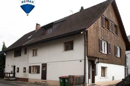 Doppelhaushälfte mit 3 Wohneinheiten in ruhiger Lage - kurzfristige Bestandsfreie Übergabe möglich
