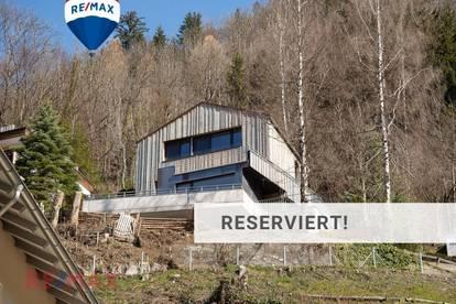 Kühner Hangsitz mit Alpiner Freisicht