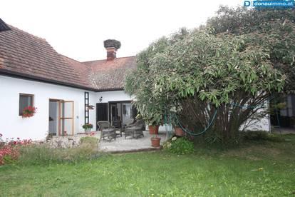 Schönes und sehr gepflegtes Bauernhaus mit viel Platz und Ruhe