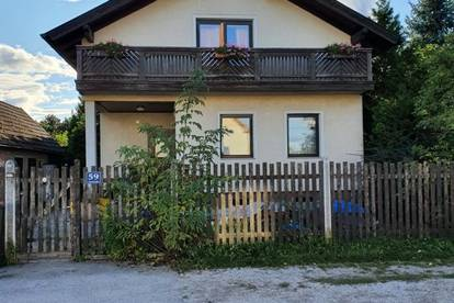 Zweifamilienhaus in ruhiger Siedungslage
