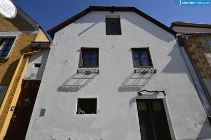 Gut erhaltene historische Immobilie mit Verkaufslokal geeignet für Ferienwohnungen inmitten der Fußgängerzone von Dürnstein bei Krems an der Donau