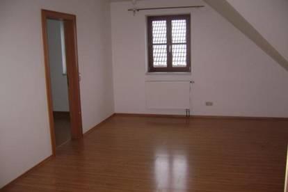 Ruhig gelegene 93 m² Dachgeschosswohnung in Loosdorf sucht neue Bewohner
