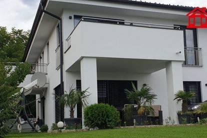 Neuwertiges Einfamilienhaus/ Zweifamilienhaus in Premstätten