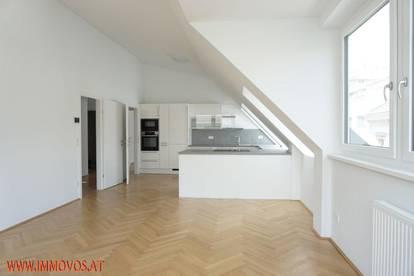 Hohe Räume im DG-Erstbezug in Augarten-Nähe: 3 Zimmer mit Top-Küche + 2 optinalen Garagenstellplätzen