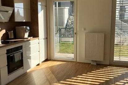 *GROSSZUEGIGE neuewertige 4 Zimmer-Wohnung mit TERRASSE und Garten - 2 BÄDER UND 2 TOILETTEN*