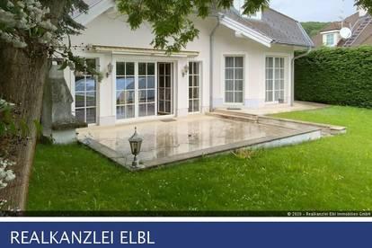 Großzügiges Einfamilienhaus mit Pool in Grünruhelage