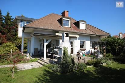 250m² Villa mit Pool und 3.321m² Grundstück mit 300m² Betriebsgebäude (Büro + Schauraum + Lager)