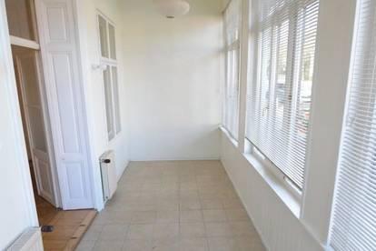 Großzügige 2 Zimmer Wohnung mit Wintergarten und Terrasse/Garten