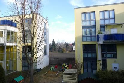 Großzügige, helle Maisonette - Wohnung mit Garten und 2 Balkonen