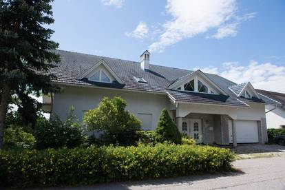 Großartiges  Haus in toller Lage   - Wohnen und Arbeiten unter einem Dach