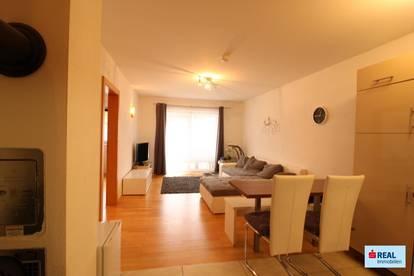 2-Zimmer-Wohnung, sonnig, mit Garten und 2 Kfz Parkplätze