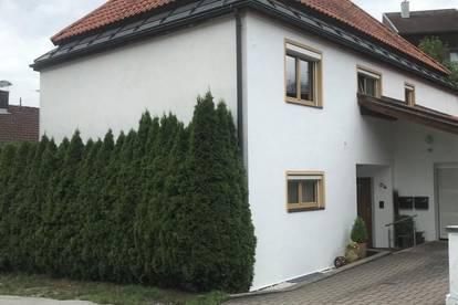 Haus mit zwei getrennten Wohnungen in sonniger Lage von Hall