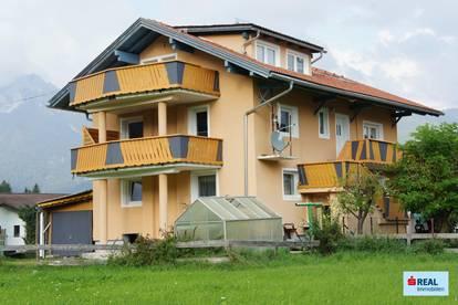 Mehrfamilienhaus mit 3 Wohneinheiten und Grundstück