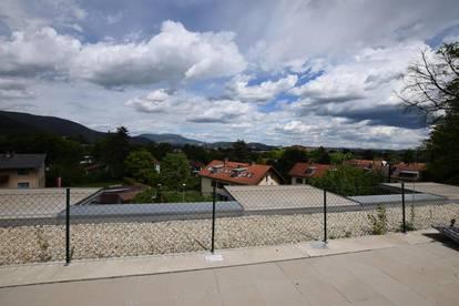 Sehr schöne 1-Zimmer-Wohnung mit Balkon, Garagenplatz und großer Dachterrasse