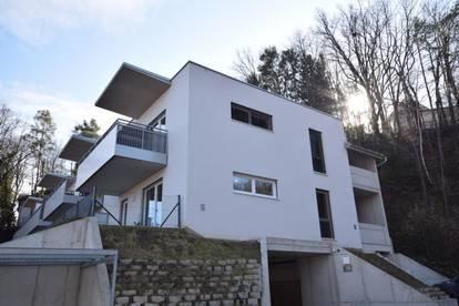 Herrliche 3-Zimmer-Wohnung mit Balkon, Garagenplatz und großer Dachterrasse