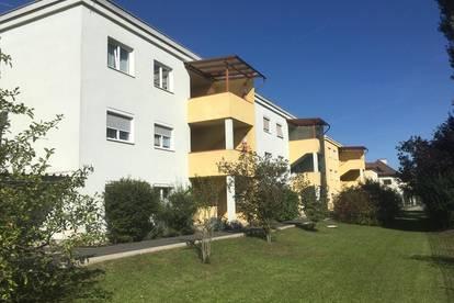 Nähe DON BOSCO! Sonnige 2-Zimmer-Wohnung mit Balkon und TG-Platz