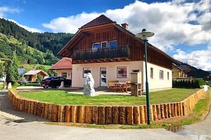 Schmuckes Einfamilienhaus im Landhausstil mit 1210 Quadratmeter Grund
