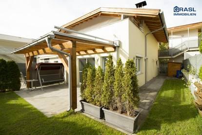 Absam: Moderne 2 Zimmer Gartenwohnung mit 1 Tiefgaragen- und 1 Autoabstellplatz