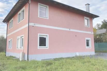 Feldkirchen, Stadtrand,  für Wohnen, Lager oder Ausstellung geeignet