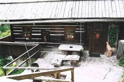 ALLEINLAGE in 1000 Meter Seehöhe, altes Bauernhaus