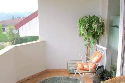 Großräumige 3 - Zimmer - Wohnung mit Loggia und Carport, Laßnitzthal