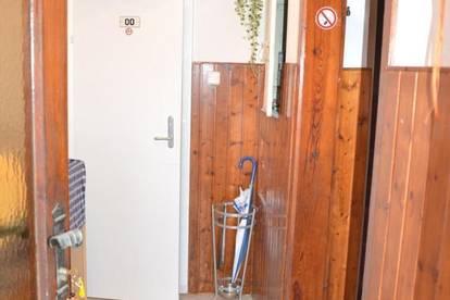 Einfamilienhaus mit Renovierungsbedarf, zweites Haus ideal als Gästepension, Zimmervermietung, Grund ca. 1683m², Bachlauf nahe Gamlitz
