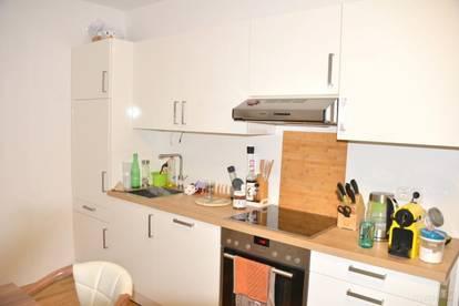 Neu sanierte Wohnung 2 Zimmer, ca. 54 m², Top Lage, Parkplatz, Gartenanteil, St-Peter Petersbergenstraße
