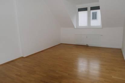 Rankengasse - Sehr schöne 2 Zimmer Altbauwohnung getrennt begehbar!!