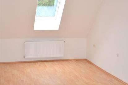 Interessante 2 Zimmer Wohnung, einzeln begehbar, ca. 65m², Garten, ruhige Lage, allgemeiner Parkplatz, Nähe Laßnitzhöhe, Römerstraße