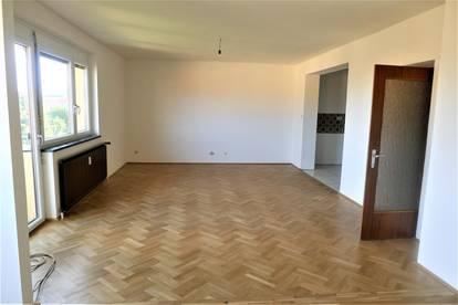 Nähe Wifi - Neu adaptierte 3 Zimmer-Wohnung mit Balkon und Garage !!!!