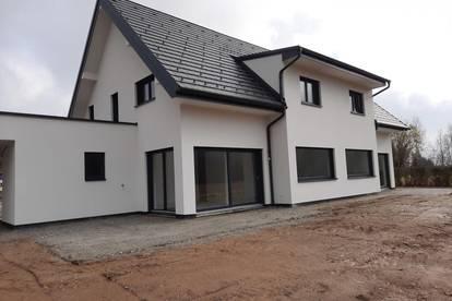 Hitzendorf ! Top Doppelhaushälfte mit Doppelcarport in sonniger Lage !!!!